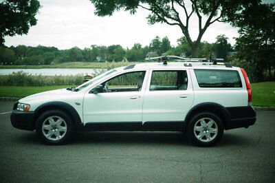 2005 Volvo XC (Cross Country) Base Wagon 4-Door Beautiful white AWD wagon,new timing chain,brakes,well maintained NO RESERVE