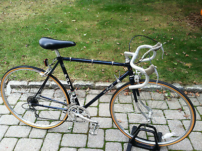 Fuji Royale vintage racing bike mans road touring mens blue 80's bicycle Japan