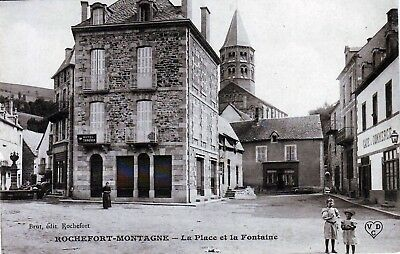 63 - Rochefort Montagne  -- Place  Tres   Animee