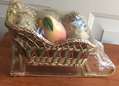 Unbranded Holiday Christmas Gold Wicker Sleigh w/5 Ornaments NEW