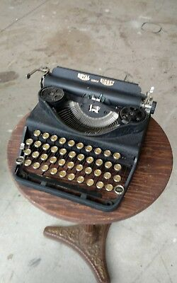 Royal Senior Signet Portable Typewriter Blck Antique Vtg