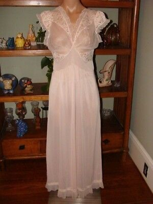 """Ladies/Womens Vintage Michelene Long Nylon Nightgown - Bust to 34"""" - Lt. Pink"""