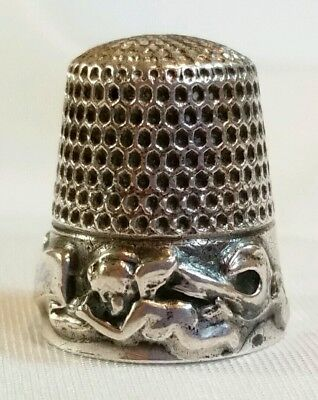 Antique Webster Sterling Silver Cupid Sherub Garland Thimble Sewing 6