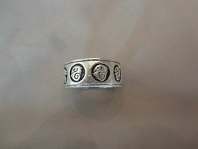 #258-Vintage Sterling Silver Ring-925--Size-9.5-