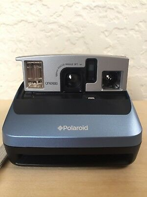 Polaroid ONE600 Instant Camera in Excellent condition