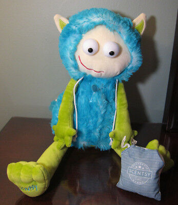 Authentic Scentsy Kids Buddy Gilly The Cuddle Monster with Luna scent pack