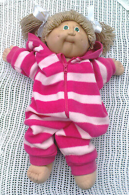 Vintage Cabbage Patch Doll Blonde Hair Green Eyes Signed Xavier Roberts (1982)