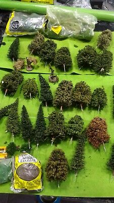 Approx 28 assorted trees for 00 gauge hornby railway