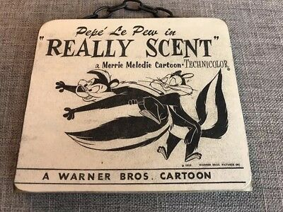"""Wooden Plaque """"Pepe Le Pew"""" in Really Scent Warner Brothers"""