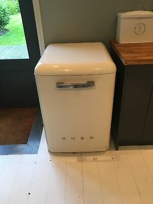 Smeg Free Standing Dishwasher Cream