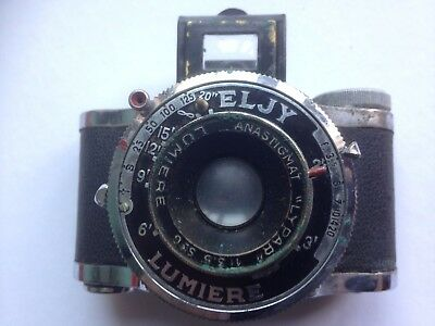 ELJY LUMIERE SUB MINATURE CAMERA 1940's WITH CASE