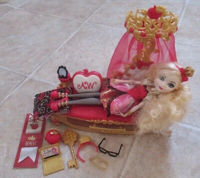 Ever After High Apple White And Fainting Couch Bed And Accessories Bundle Rare