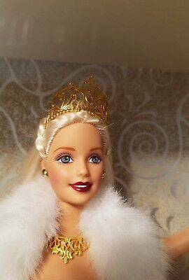 Barbie Holiday Special Edition 2000 Platinum Blonde With Ornament