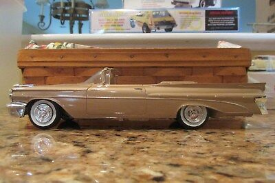 1959 Pontiac Bonneville Convertible pro-built promo like by Andy DeLuca AMT
