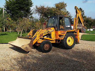 Case 580F Construction KIng Backhoe Wheeled Digger, with two buckets