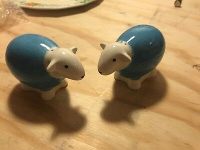 Herdy Salt And Pepper Shakers Cruit. Pottery