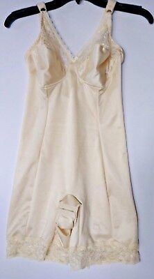 VINTAGE UNDERSCORE LONG LEG BODY SHAPER GIRDLE WITH Garter SIZE 38C WIRE-FREE NS