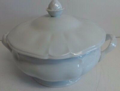 Limoges White Porcelain Circular Serving Dish with Lid