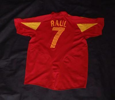 Medium Men's Spain Football Shirt, Raul, No. 7 (0332-CC)
