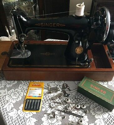 Vintage Singer 201k Sewing Machine With Case & Accessories 1945