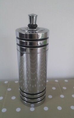Art deco cocktail shaker. Chase
