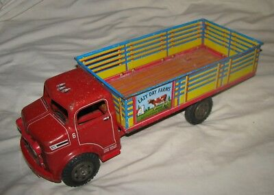 Vintage 1950s Marx LAZY DAY FARMS TRUCK- Pressed Tin/Metal Toy