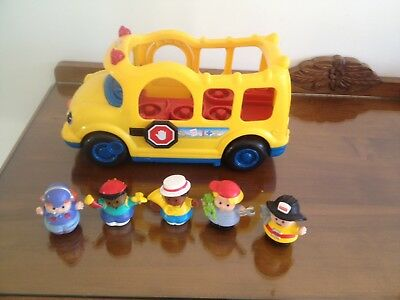 Little People Bus With sound & 5 Little People