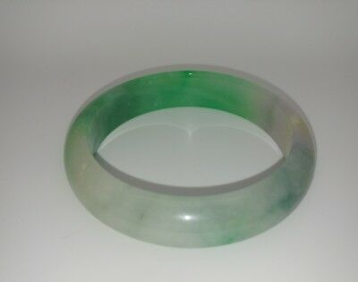 An elegant Jade Stone Bangle in a lovely Green