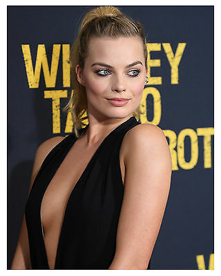 -sexy---MARGOT ROBBIE 8x10 Photo-b-