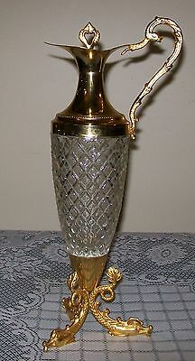 LARGE 36.5cm VINTAGE ORNATE DIAMOND CUT GLASS & GOLD TONE DECANTED w/3 fish feet
