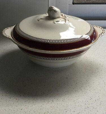 Covered Vegetable Dish John Maddock & Sons Ltd. Made In England - 'royal Ivory'