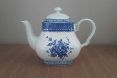 Vintage Churchill Out of the Blue Teapot