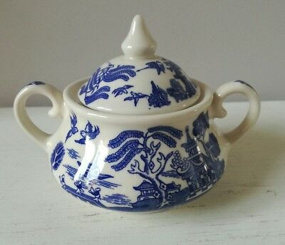 Old Willow pattern lidded sugar bowl preserve pot blue and white