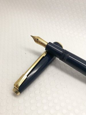 Parker Victory gold nib gold plated trim navy blue made in England
