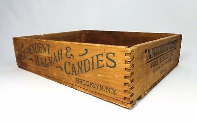 Antique Independent Halvah & Candies Finger-Jointed Wood Crate Brooklyn New York