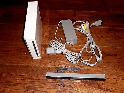 NINTENDO WII Wii CONSOLE + ALL LEADS FULLY WORKING IN VGWC REPLACEMENT UNIT