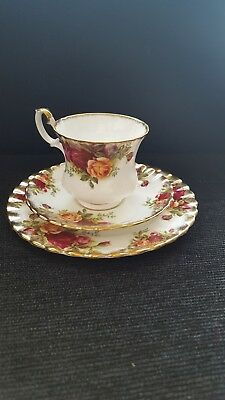 Royal Albert Old Country Roses Bone China Tea Cup Saucer & Side Plate Trio Set