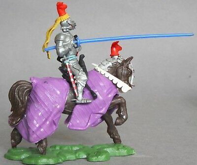 Britains 1/32 Scale Plastic Swoppets Mounted Knight Charging Figure