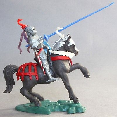 Britains 1/32 Scale Plastic Swoppets Mounted Knight Defending Figure