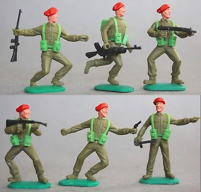 Timpo Plastic Bright Red Beret Paratrooper Figures