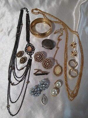 13 pc.lot costume jewelry victorian cameo vanity estee compact clip earrings++++