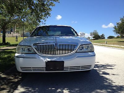 2003 Lincoln Town Car Executive 2003 Lincoln Town Car Executive Florida Car, No Rust, LED Lights