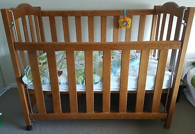 Australiana Heirloom Collection Baby Cot