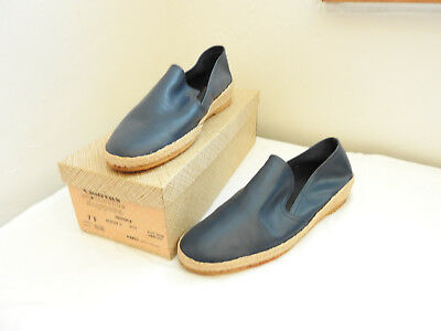 Boxed Pair Vintage Men's Blue Leather loafer Shoes Swan Churches 7 1/2 (4925)