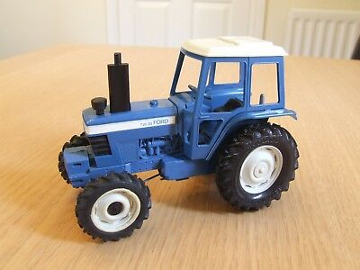 Britains farm Ford TW-20 tractor