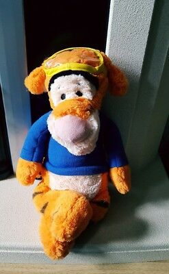 DISNEY STORE SUPERMAN SUPER HERO  TIGGER  GIFT. Limited edition