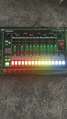 Roland TR8 (Mint Condition + Expansion Pack Installed ! )