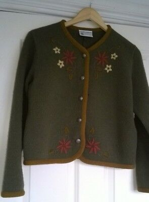 Laura Ashley ladies Lambswool knitted cropped jacket- embroidered Swiss style 19