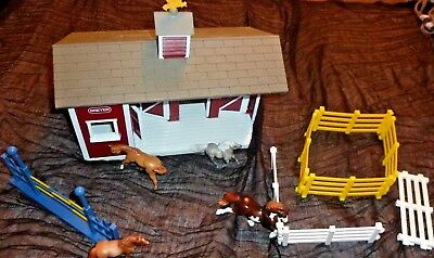 Breyer Reeves Red Barn with 4 horses fence sections jump 2 Vintage horses