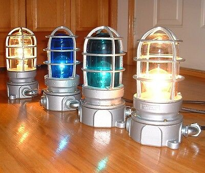 (1) Vintage Crouse Hinds Industrial Explosion Proof Light Fixture Shade Globe +